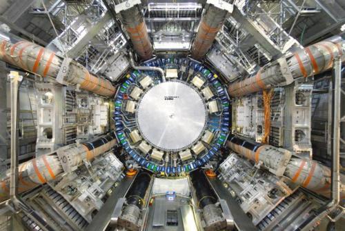 Un détecteur du grand collisionneur de hadrons  au Cern à Genève